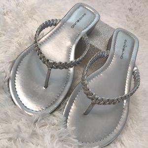 Bandolino silver braided thong flip flops  8 1/2